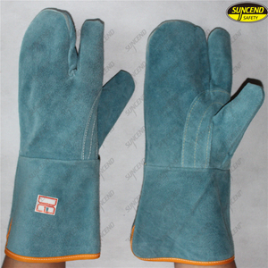 Industrial metal smelt welding heat resistant protective gloves