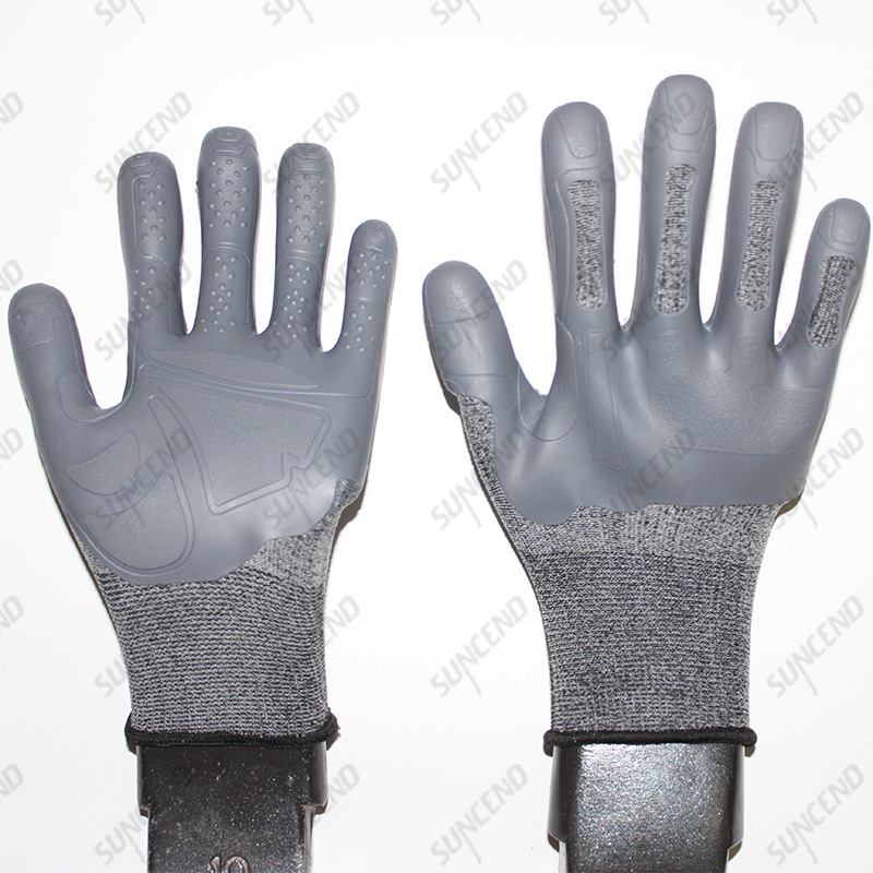 Soft And Anti Abrasion TPE Rubber Coated Mud Gloves with High Elastic Liner