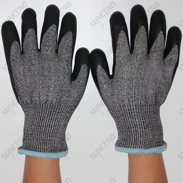 Cut Resistant HPPE And Terry Liner Nitrile Foam Safety Gloves