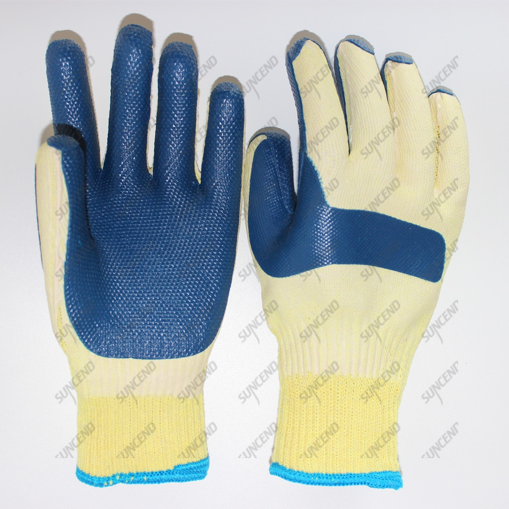 Rubber coated heavy duty cotton gloves for worker